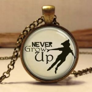 Peter Pan Pendant Necklace. 🆕